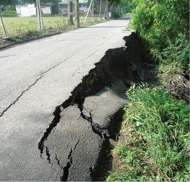 drumuri distruse de inundatii1