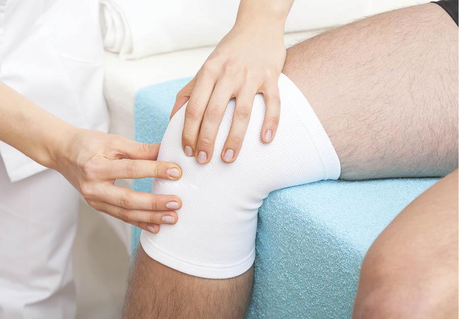durere la genunchi la 60 de ani unguente și măcinare pentru bolile articulațiilor